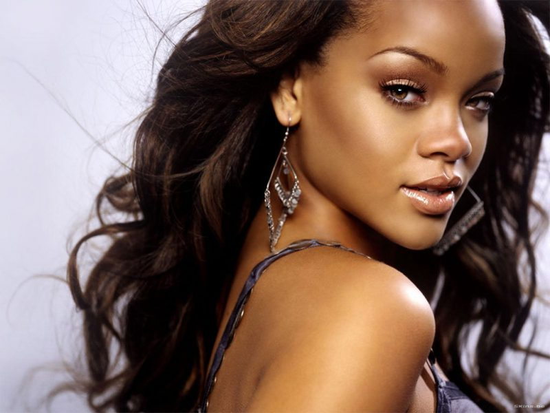 Rihanna on Being Naked (TheEllenShow )
