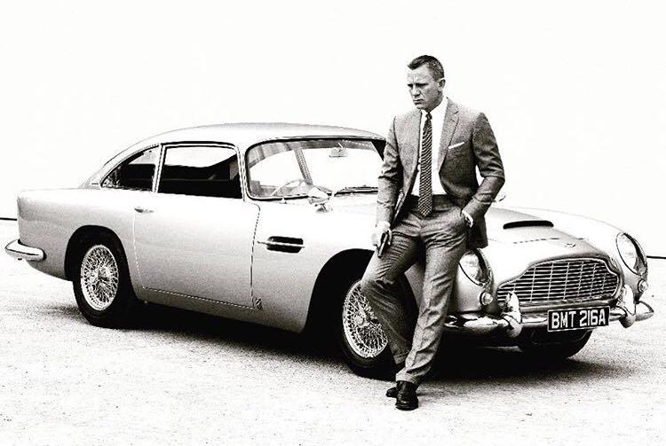 Mașina lui James Bond costă 4,24 milioane $